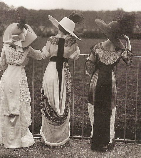 Edwardian period.  Beautiful shot. At the races, perhaps.