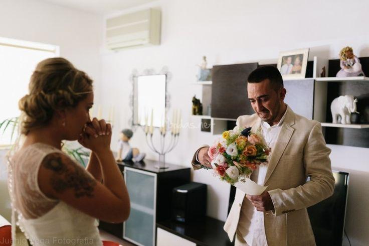 ¿Ya has hecho la elección de quién será tu padrino el día de tu boda? A continuación te dejamos un listado con las funciones que deberá desempeñar el elegido, en ese día tan importante.