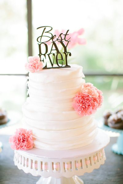 Best day ever wedding cake: http://www.stylemepretty.com/texas-weddings/austin/2014/10/13/romantic-spring-wedding-on-a-budget/ | Photography: Bella Reese - http://www.bellareesephotography.com/