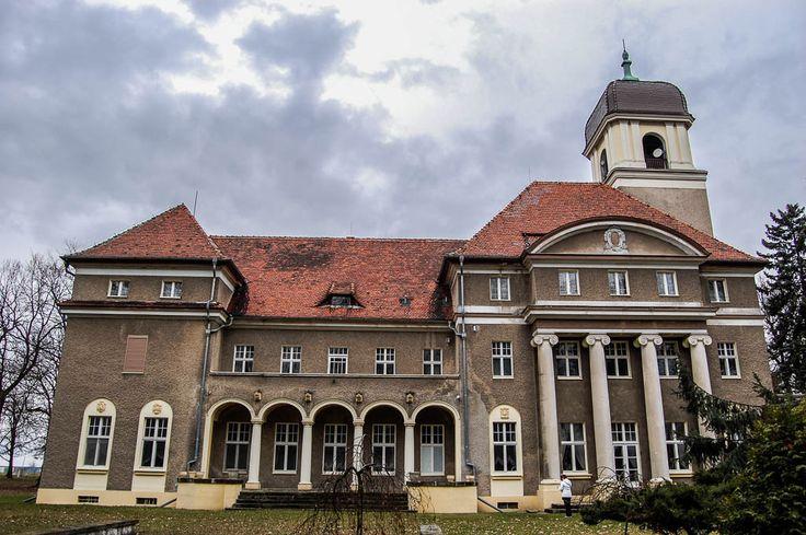 Przystanek Wrocław: Romantyczny pałac w Łosiowie