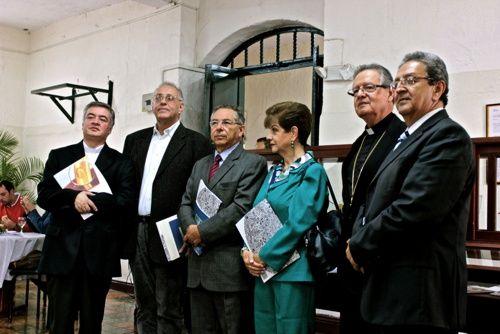 Familia Caballero Velasco dona la biblioteca personal de Antonio José a la Fundación Universitaria de #Popayán. #ProclamadelCauca http://www.proclamadelcauca.com/2014/02/familia-caballero-velasco-dona-la-biblioteca-personal-de-antonio-jose-a-la-fundacion-universitaria-de-popayan.html @FUPNORTE  @La_Fup
