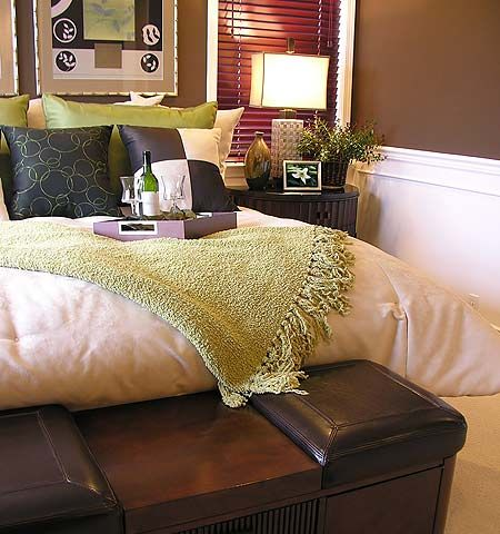 Pie de cama baul banqueta para realzar el estilo al dormitorio dormitorios fotos de - Banquetas para dormitorio ...