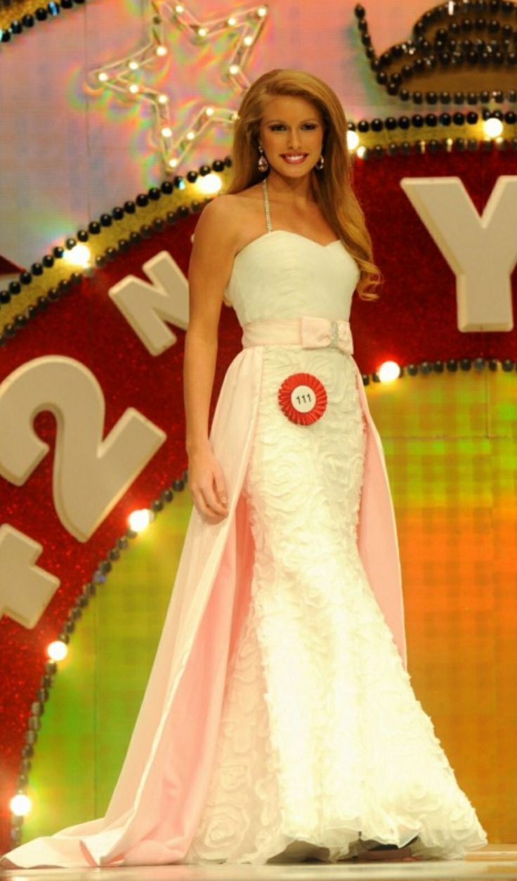 Secret Styling Tips For Pageant Gowns http://www.thepageantplanet.com/secret-styling-tips-for-pageant-gowns/