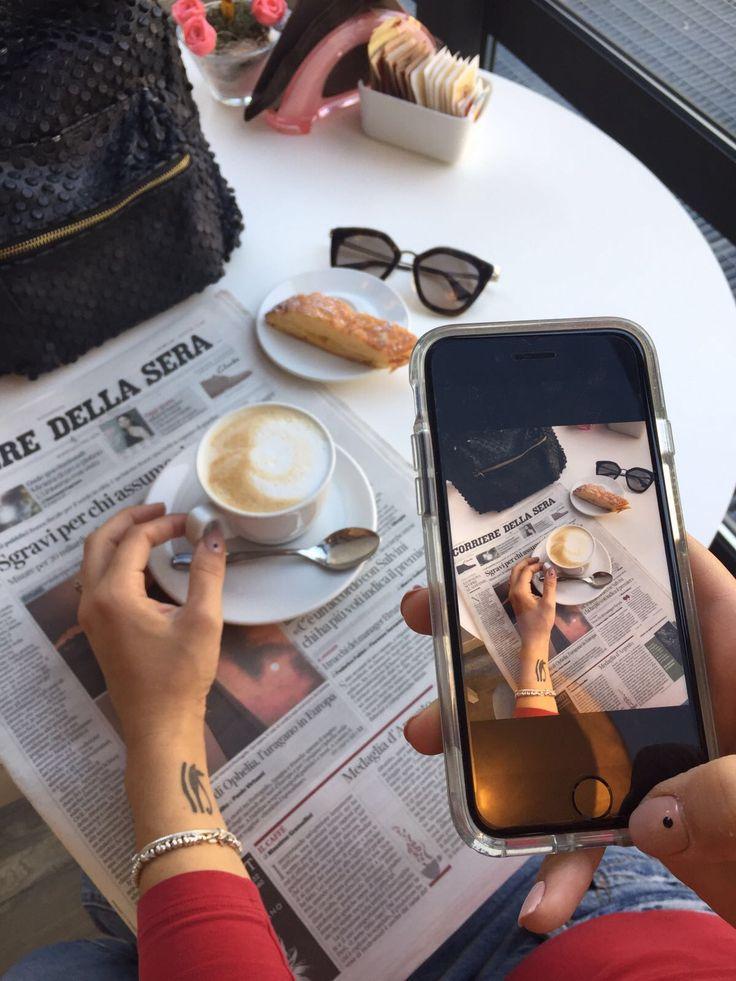 cappuccino, breackfast goodmorning  , flatlay   , buongiorno  ,lifestyles , style inspiration  , style blogger, Lifestyle blog, colazione , corriere della sera, giornale, web editori , blogger Milano