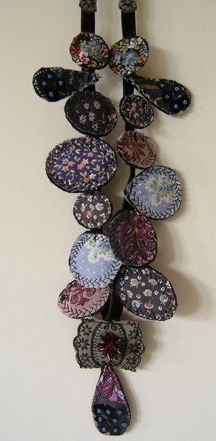 Kaori necklace by blue-field, via Flickr filc és hímzés: