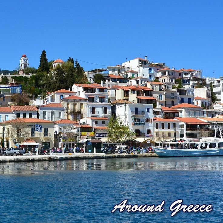 The gorgeous island of Skiathos the most western of the Sporades islands belongs to the municipality of Magnesia and borders with the east coast of Magnesia and the Pelion peninsula.  http://ift.tt/2CNB46X  #Skiathos #Greece #Greekislands #Sporades #holidays #travel #vacations #islands #aroundgreece #visitgreece #Σκιαθος #Σποραδες #Ελλαδα #ΕλληνικαΝησια #διακοπες #ταξιδι