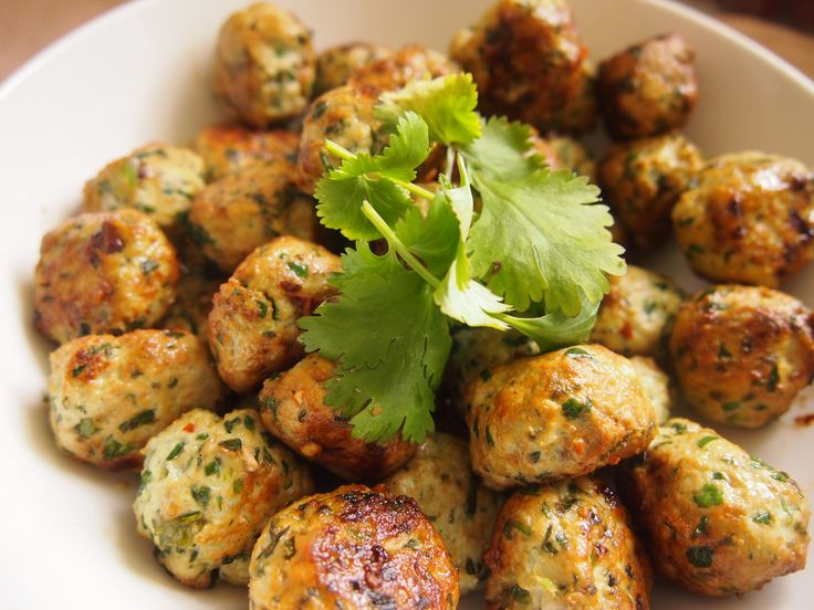Spinach & Chicken Thai Meatballs (Gluten & Egg Free)   #HungryCub
