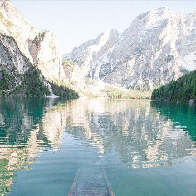 Wednesday Wanderlust. Can you ever go wrong with mountains and water?