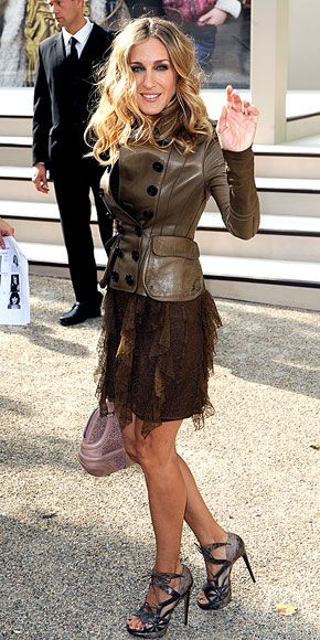 sarah jessica parker street style - I have never hated any one pair of her shoe collection #InLove