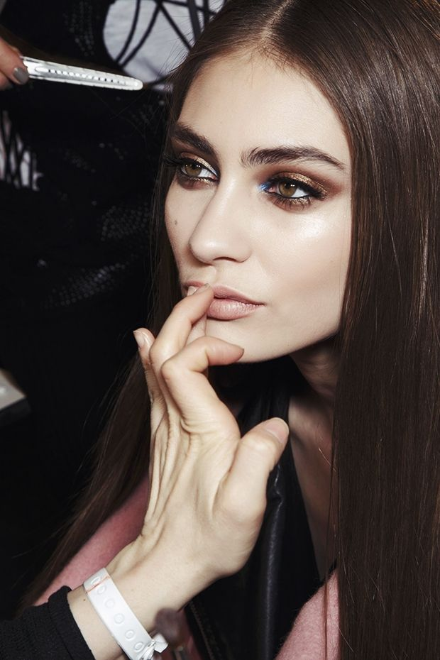 backstage at versace couture SS14 beautiful brunette and makeup #love #makeup #bronze