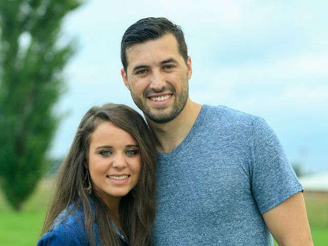 Jinger Duggar engaged to ex-soccer player Jeremy Vuolo via @USATODAY