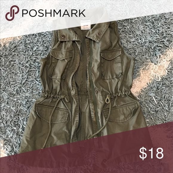 Army Style Vest--Perfect for Spring! XS Army Vest with pockets. Can either be zipped up, buttoned, or worn open. Cinching at the waist to help define your waist. The perfect spring staple 👌🏼 Old Navy Jackets & Coats Vests