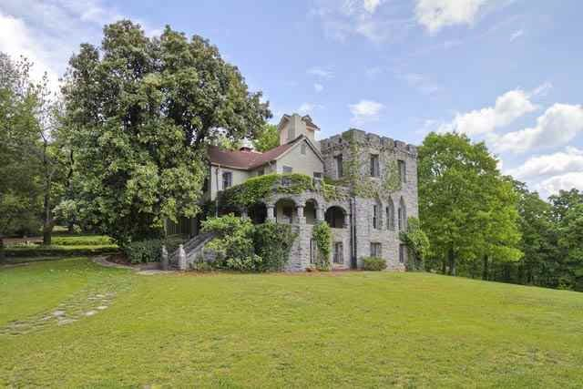 7) The Castle of Greenville, SC: Built in 1902  for a German Baroness, this castle sits on the south face of Paris Mountain. Just another hidden gem in South Carolina. // yeahTHATgreenville