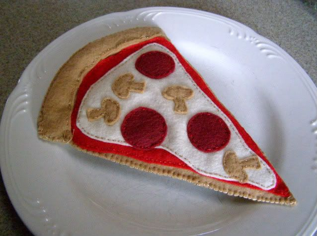Thin Crust Felt Pizza Slice no pattern but pictures with tutorial