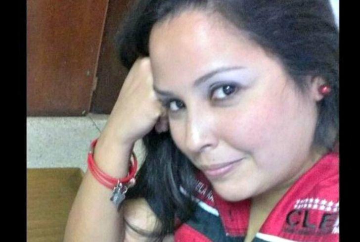 La periodista Moranela Ramírez, quien estaba adscrita al Consejo Legislativo del estado Falcón, falleció tras de haber pasado casi un mes en la sala de terapia intensiva del Hospital Universitario Alfredo Van Grieken de Coro, luego de haber sido atacada a tiros por su pareja en momentos en que llegaba a su residencia ubicada en la calle Puruche, entre los callejones Sierralta y Chev...