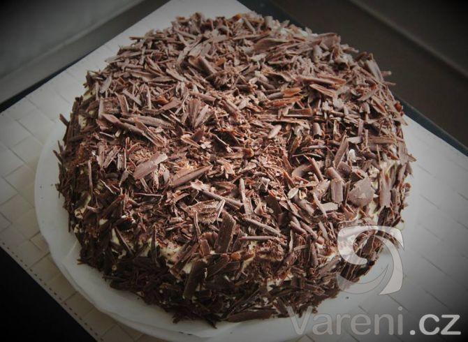 Višňovo-čokoládový dort s krémem z mascarpone -