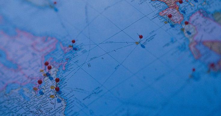 Cómo ver tu dirección en Street View. Google Maps es una de las herramientas de mapas más innovadoras que existen. Te proporciona la habilidad para ver el tráfico, el terreno, fotografías por satélite y Street View. Street View es una vista de mapa de imágenes panorámicas de calles tomadas por gente real contratados por Google. Puedes ver la calle como si caminaras o condujeras por ...