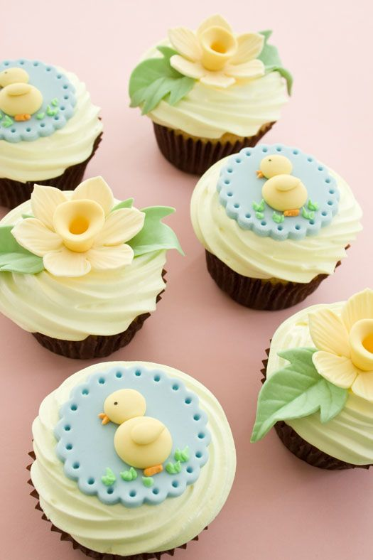 Cupcakes decorated with Easter toppers on http://cakejournal.com/cake-lounge/easter-cupcakes/