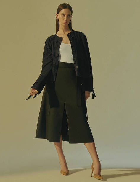 Explore The Stories — Chapter — High Summer Simplicity: A Sleek Foundation for Easy Pieces — THE LINE