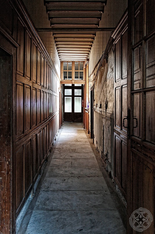 78 best images about haunting gothic places on pinterest for Floor zegwaard