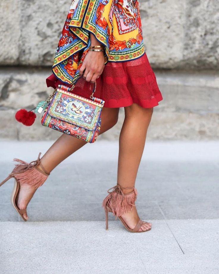 83 отметок «Нравится», 3 комментариев — Anastasia (@thestreetpie) в Instagram: «@lanascolaro / Milan / thestreetpie.com #milan #dolcegabbana @dolcegabbana #outfit #ootd #style…»