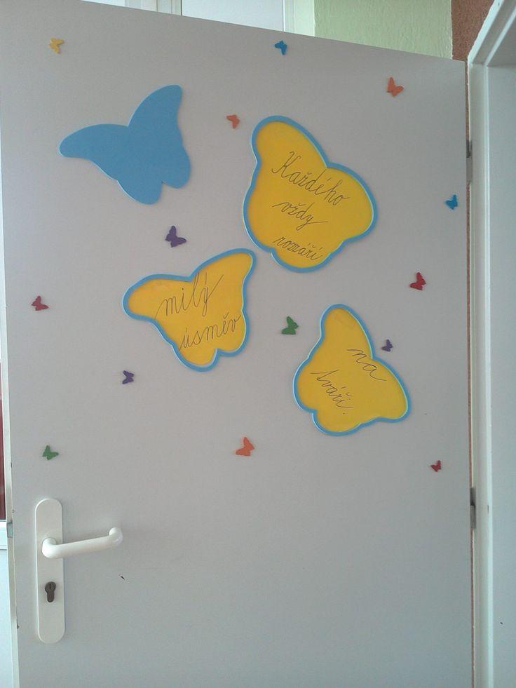 výzdoba dveří (básnička s motýlky) classroom door invitation