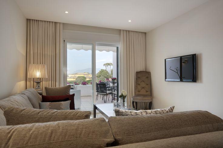 Lounge, modern, sofa, lamp, design by Pulse Interior Design