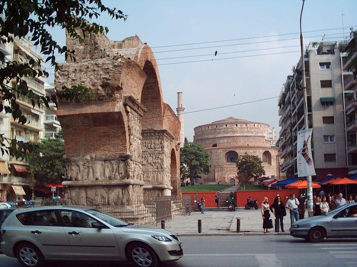 Καμάρα και στο βάθος η Ροτόντα - Κέντρο Θεσσαλονίκης
