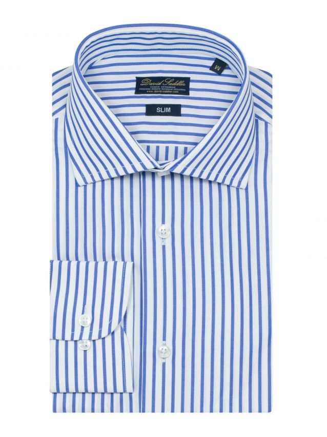 The blue and white striped shirt Firenze for men is a garment of the classic collection. In pure Poplin cotton, with a very high quality, it has a refined pattern with a medium stripe in the shades of blue and white.