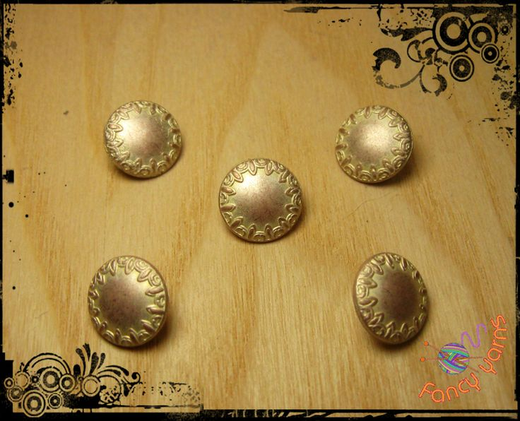 5 bottoni vintage in metallo  - mm. 15 di Fancy yarns su DaWanda.com