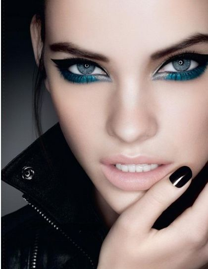 navy blue eyeliner #makeup