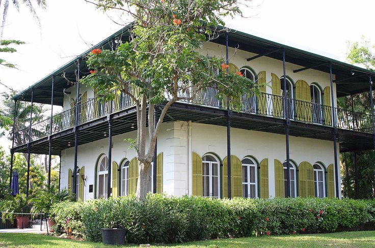 The Ernest Hemingway House, a popular tourist attraction in Key West. ◆Key West, Florida - Wikipedia http://en.wikipedia.org/wiki/Key_West,_Florida #Key_West