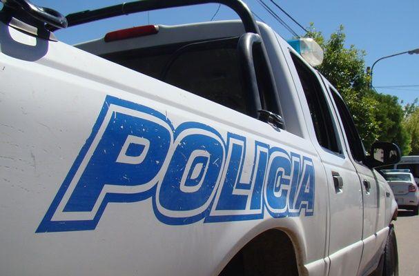 Un patrullero volcó en una persecución