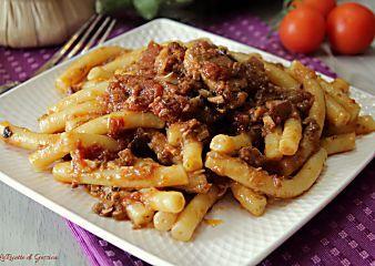 Pasta Pesce Spada e melanzane alla menta - Ricetta Siciliana