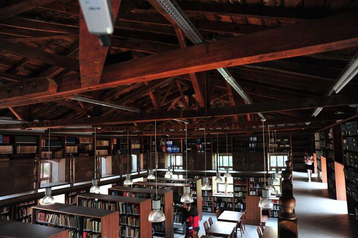korfman kütüphanesi.. arkeoloji özel ihtisas kitaplığı Çanakkale