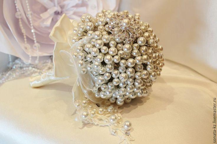 """Купить Брошь-букет невесты """"Жемчужный"""" - букет невесты, букет цветов, искусственный жемчуг"""