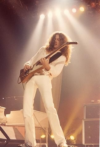 Allen Collins (July 19, 1952 - January 23, 1990) founding member of Lynyrd Skynyrd. One of the greatest #southernrock guitarists ever!