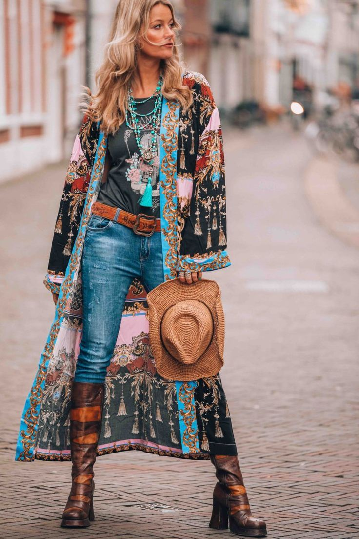 The most awesome bohemian style kimono everybody is talking about!   Bohemian  style kimono, Boho chic outfits, Boho outfits
