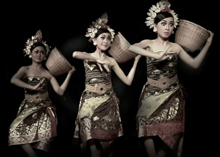 Bali dancers. [Indounik: Check out those eyes. Balinese dancers use their eyes as much as their graceful finger movements to tell the stories that are encapsulated in their performances.]