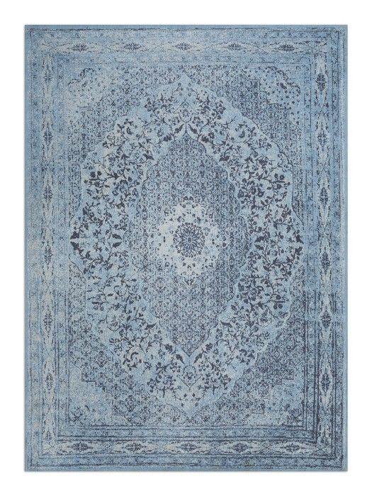Het Vloerkleed Tabriz is dankzij het kleurrijke patroon een echte blikvanger. Dit vloerkleed is gemaakt van zachte materialen waardoor het tapijt ook heel comfortabel aanvoelt. Het bekende meubelmerk LivLight heeft dit tapijt met passie ontworpen. Het Vloerkleed Tabriz is gemaakt van 100% chenille katoen en machinaal geweven.  De mooie diepe kleuren vallen direct op en patroon zorgt ervoor dat dit laagpolige vloerkleed een Oosters Tintje heeft. Het leuke aan dit vloerkleed is dat je het…