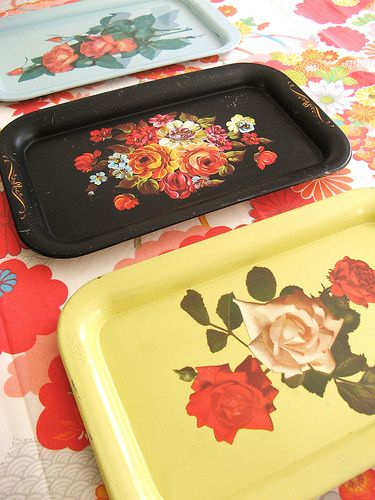 vintage trays-my mom had a few of these hanging on our kitchen wall when I was a very young girl.