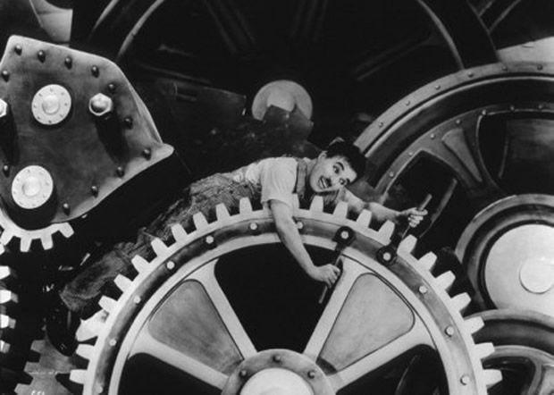 The most famous photos of cinema: 10ª) Modern Times (br/pt: Tempos Modernos) de 1936. Do cineasta britânico Charles Chaplin