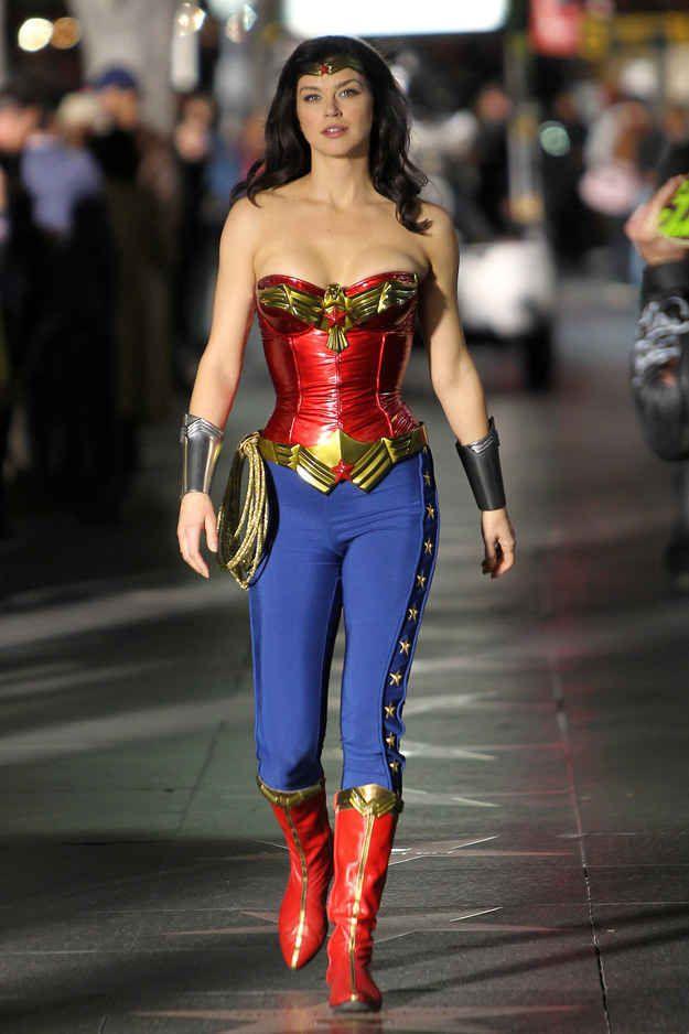 Por un momento, casi se estrena una serie de La Mujer Maravilla en 2011.