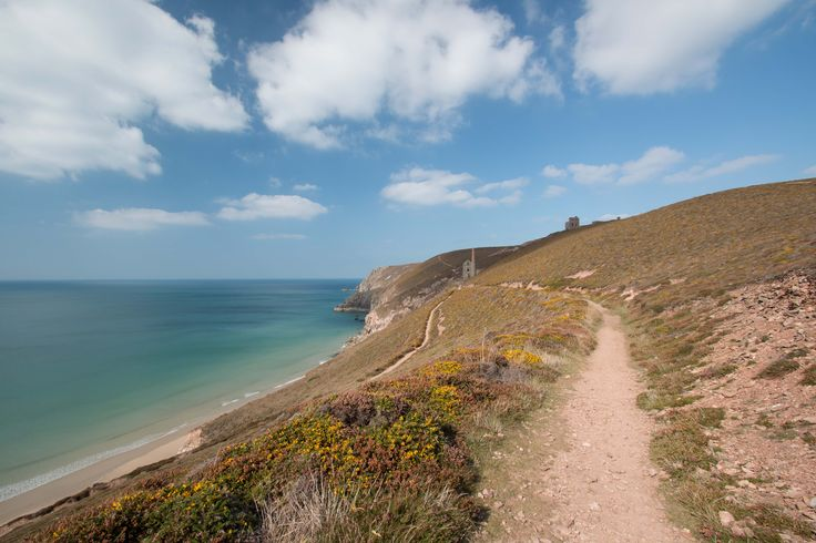 Walk to St Agnes Head, Cornwall on the @SouthWestCPath