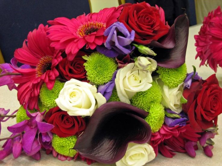 Flowers can be a substantial part of your general wedding budget. Flowers play a key function in all type of events, right from celebrations to birthday parties, wedding celebrations, events of special interest rates and other crucial celebrations; obtain flowers of your choice depending to the event. We have a wide selection of floral bouquets for you to pick from or we can create a custom-made design that's just right for your special event.