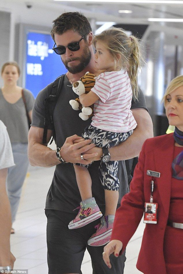 25+ best ideas about Chris hemsworth daughter on Pinterest ...