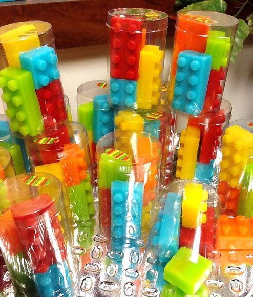 Lembrancinha sabonete Lego