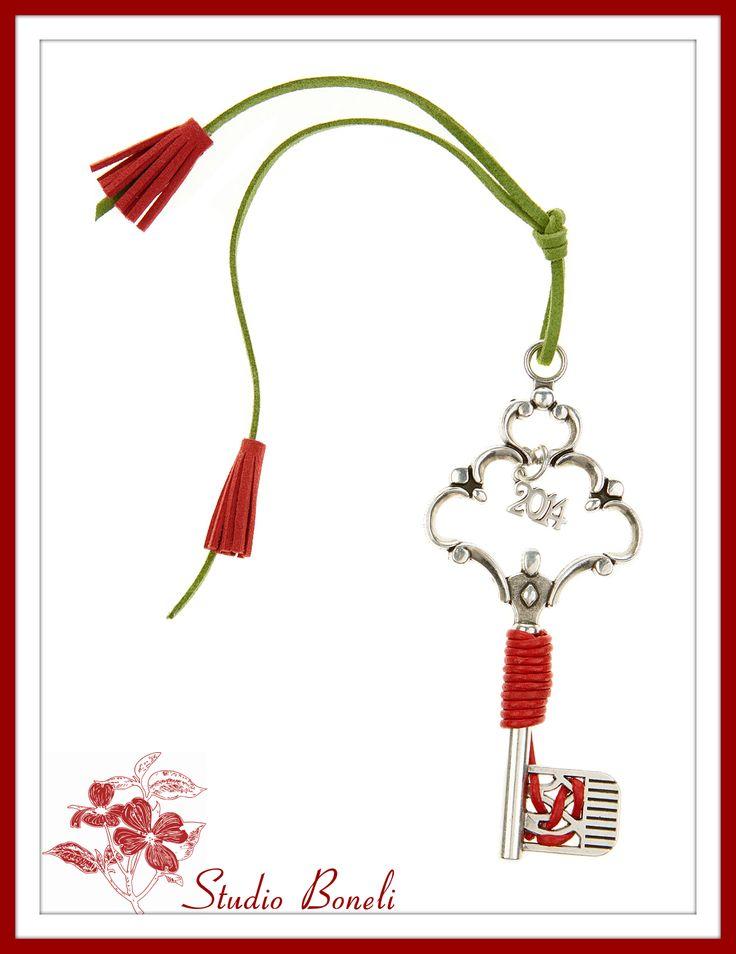 """Χειροποίητο Χριστουγεννιάτικο Γούρι """"Το κλειδί της νέας χρονιάς""""! #Christmas #Charms"""