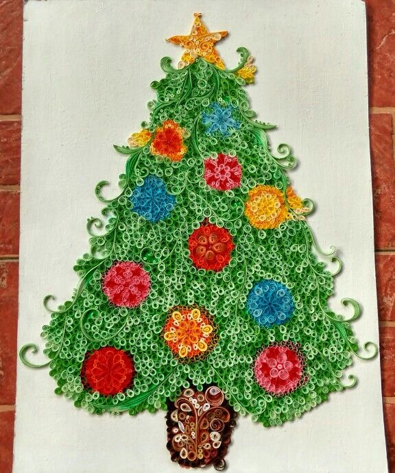 Christmas tree using paper quilling art quilling for Quilling paper craft
