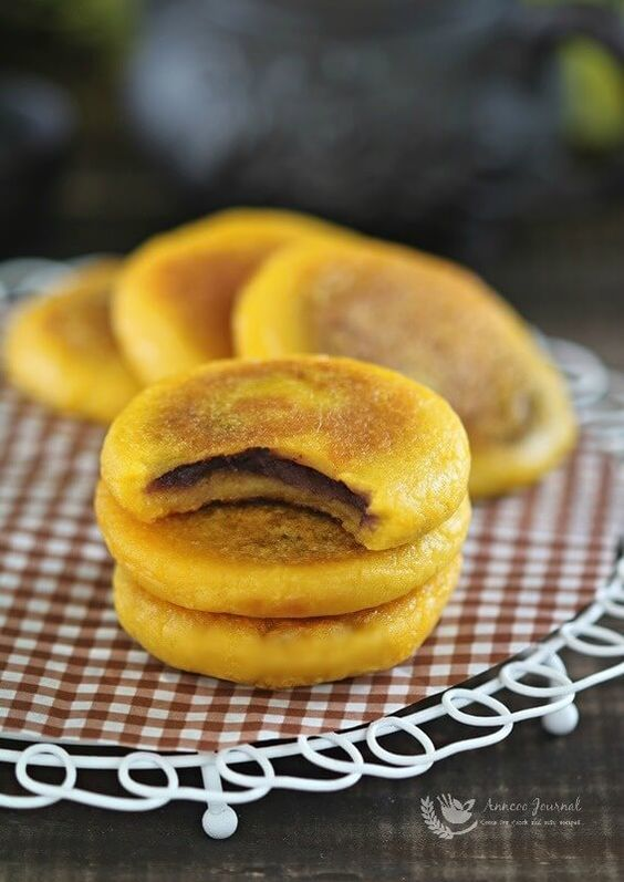 These Chinese pumpkin pancakes are soft and a little chewy after being pan fried. It's great to serve these pumpkin pancakes with Chinese hot tea.